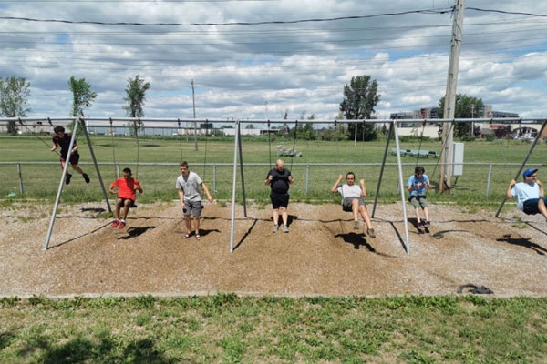 Des adolescents autistes s'épanouissent dans un camp de jour